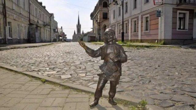 Луцк начинает туристический сезон с квеста