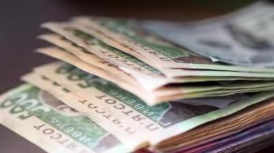 Зарплата украинцев выросла в мае
