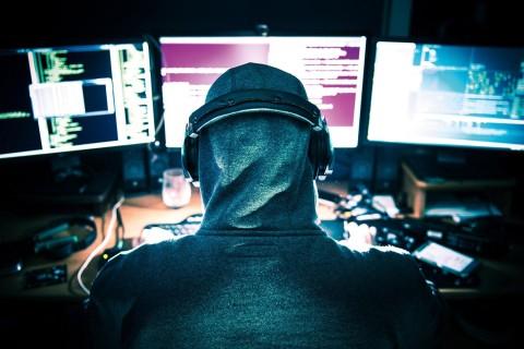 В Испании арестовали украинского хакера, обокравшего 100 банков в 40 странах