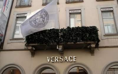 Дом моды Versace согласился на сделку в $2 млрд