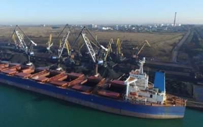 В порт Южный прибыло судно с углем из ЮАР