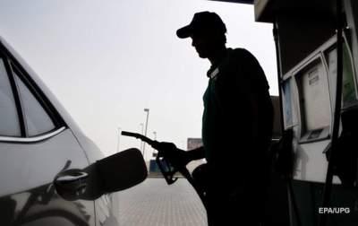 Стоимость бензинов и дизельного топлива снизилась