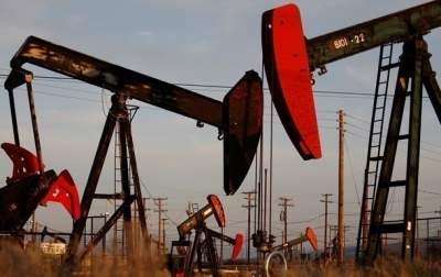 Цена на нефть продолжает снижаться
