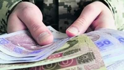 В Украине обещают поднять выплаты военным пенсионерам