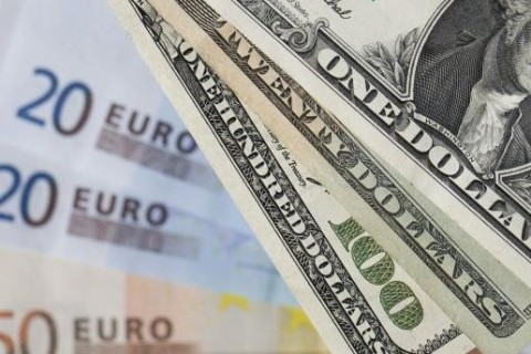 Украинцы смогут менять валюту через банкоматы и терминалы