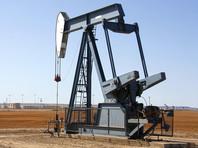 Неделя началась с очередного обвала цен на нефть, а рубль пока все так же - у порога в 82 за доллар, несмотря на вливания ЦБ
